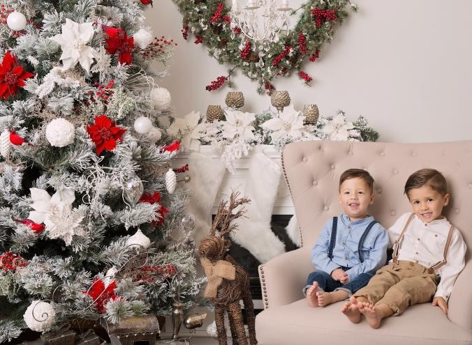 Brittany Elliser Sit Santa 2017 04.jpg